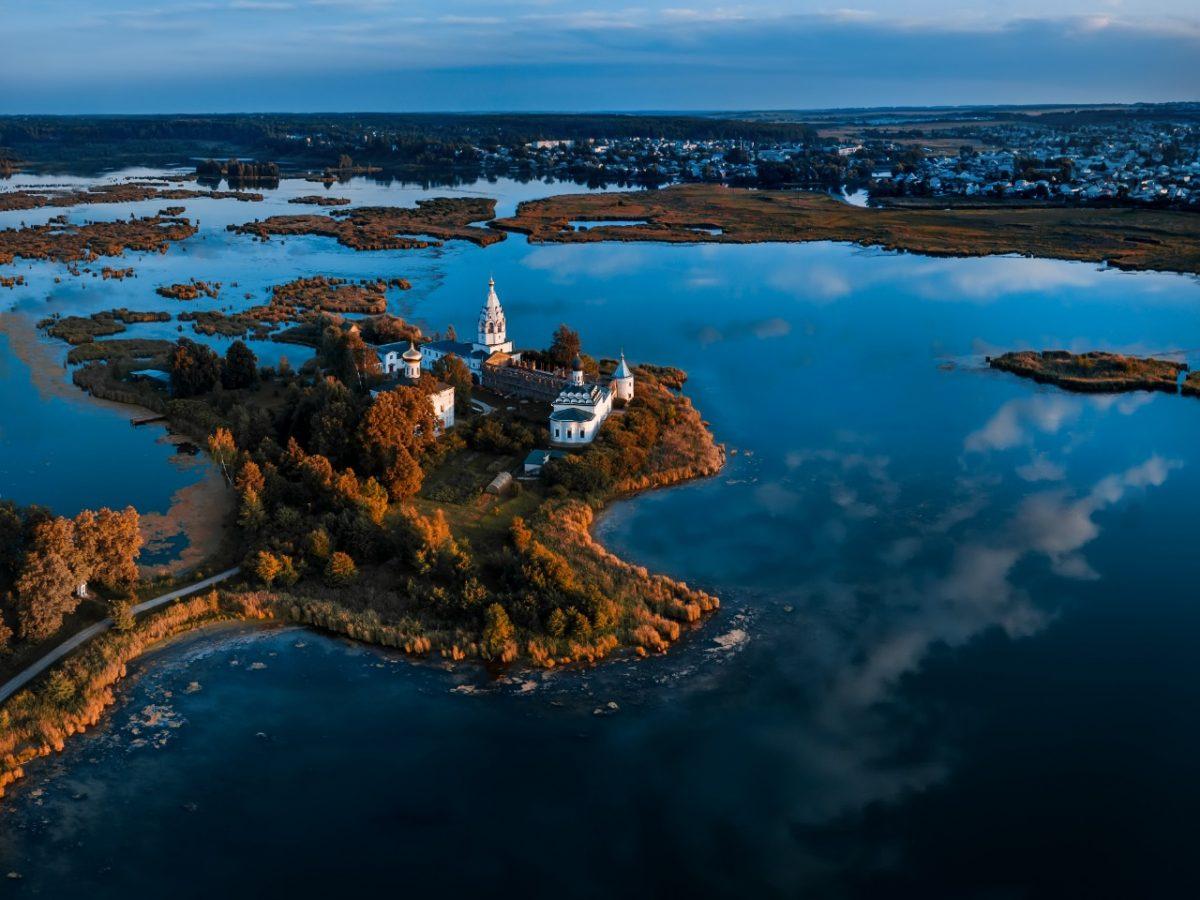 Сапборды, лимоны и Михалков: туристам показали достопримечательности Павловского округа