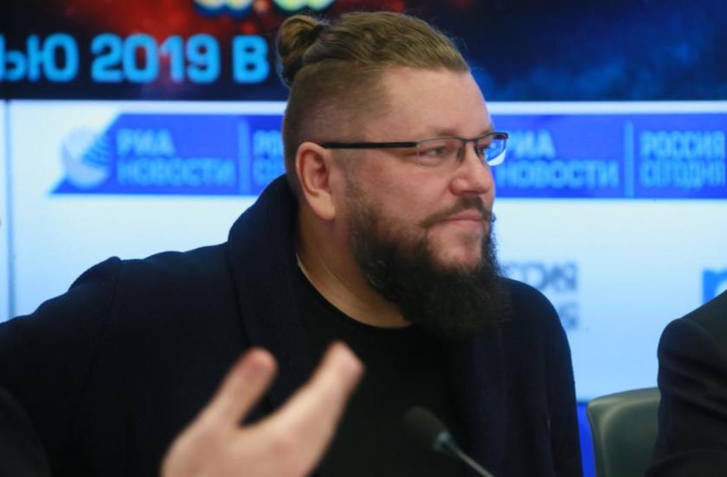 «Когда ты мелькнул в кадре на несколько секунд, это замечают»: нижегородский сценарист снялся в сериале для Первого канала