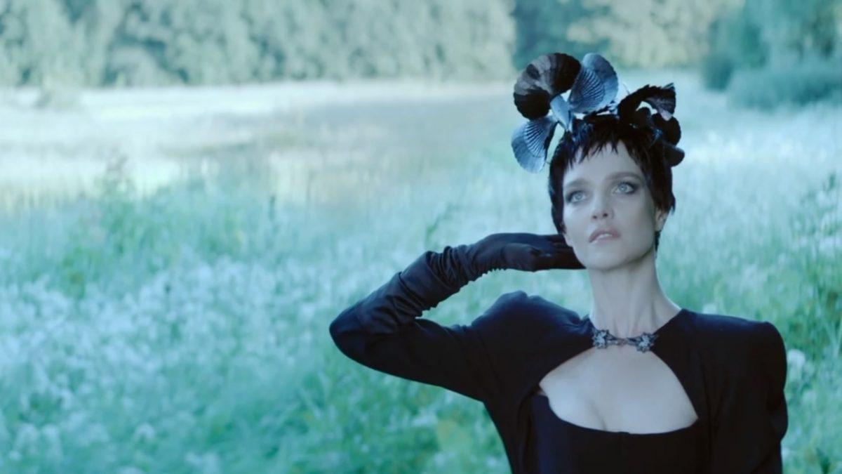Наталья Водянова представила модную коллекцию в фильме, снятом Ренатой Литвиновой