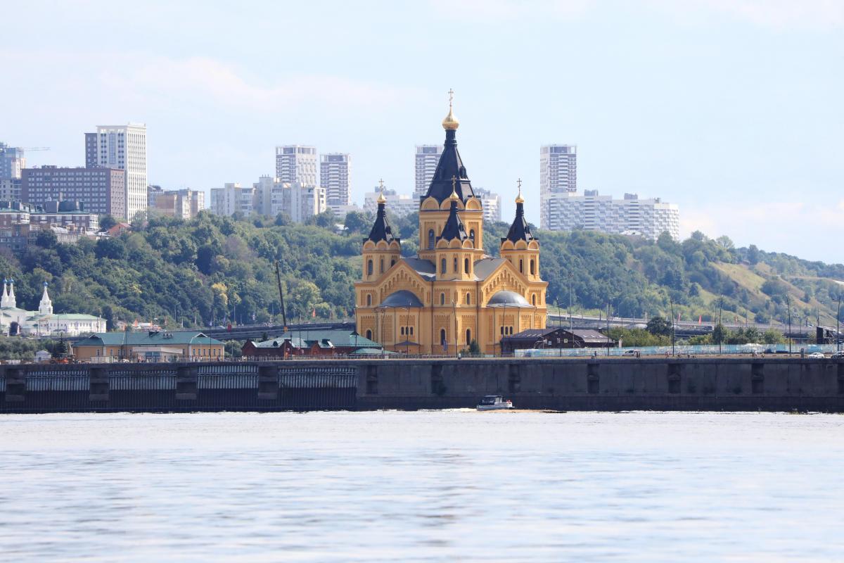 LIVE: встреча мощей князя Георгия Всеволодовича в кафедральном соборе в Нижнем Новгороде