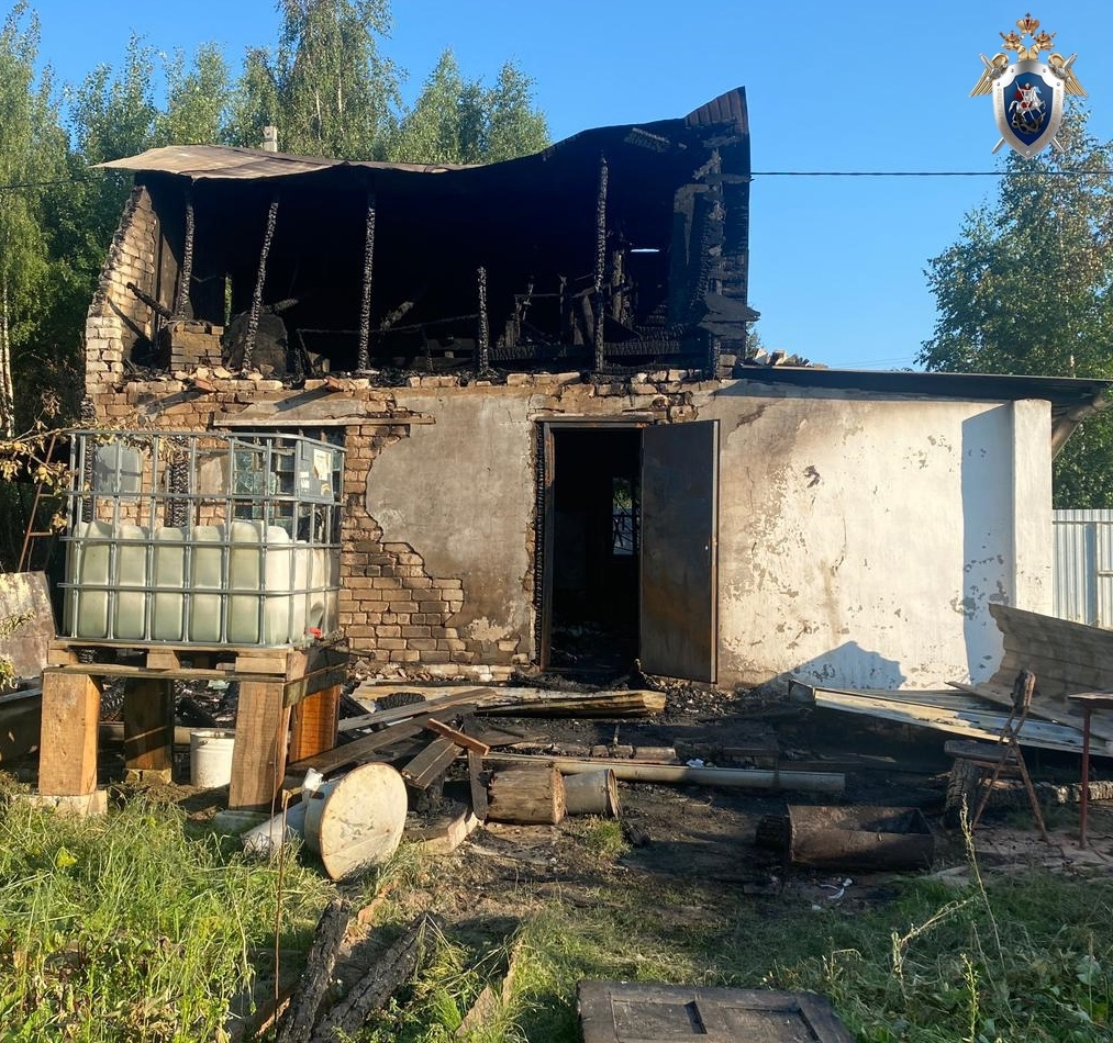60-летний мужчина погиб на пожаре в Володарском районе