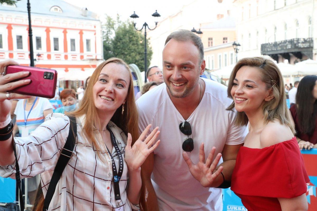 Любители кино и красная дорожка: торжественная церемония открытия Горький fest состоялась в Нижнем Новгороде