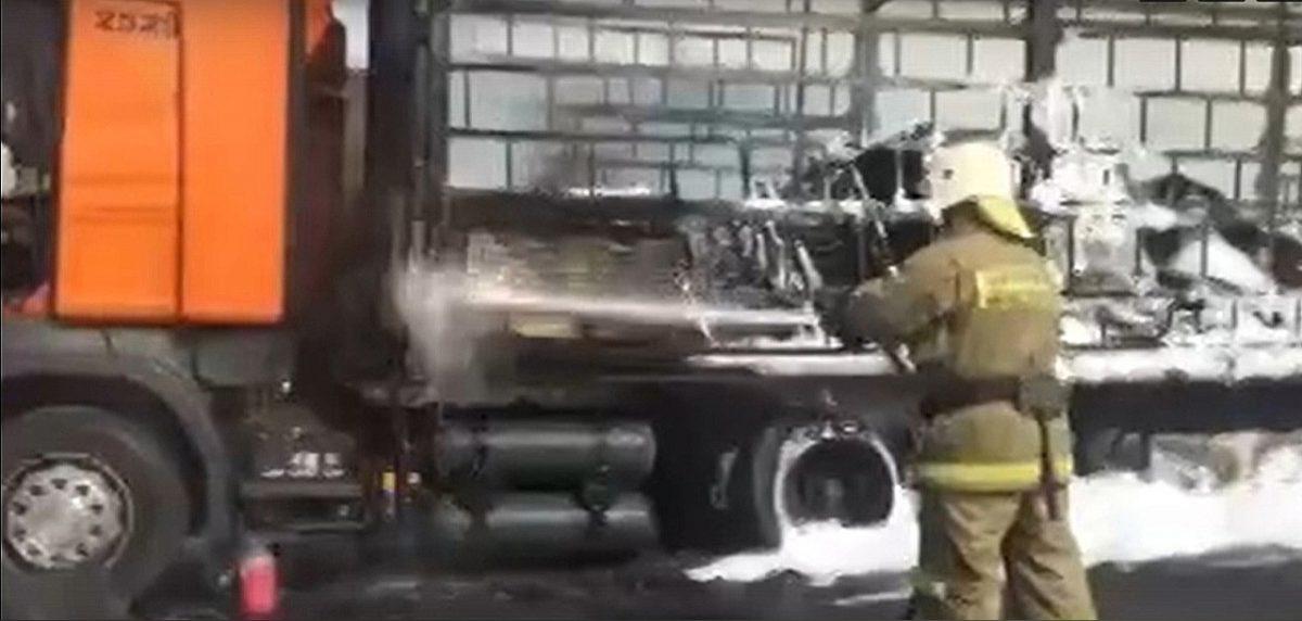 Фура загорелась в Кстовском районе: движение на трассе перекрыли