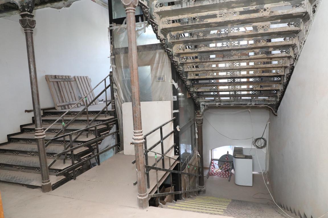 лестница ремонт Выставочный комплекс