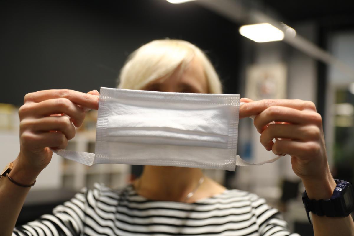 Большинство нижегородцев носят маски только в общественных местах