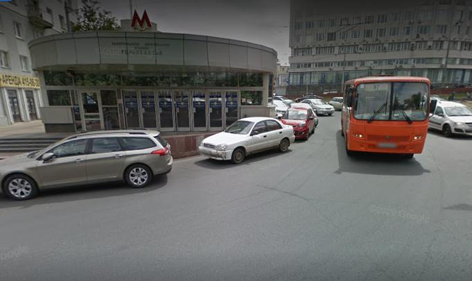 Подпорную стенку у станции метро «Горьковская» отремонтируют в течение двух недель