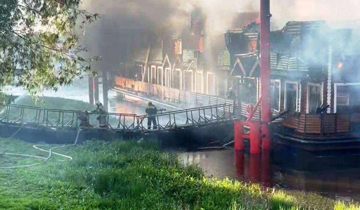 Нижегородский Росприроднадзор организует проверку после пожара в банном комплексе на Гребном канале