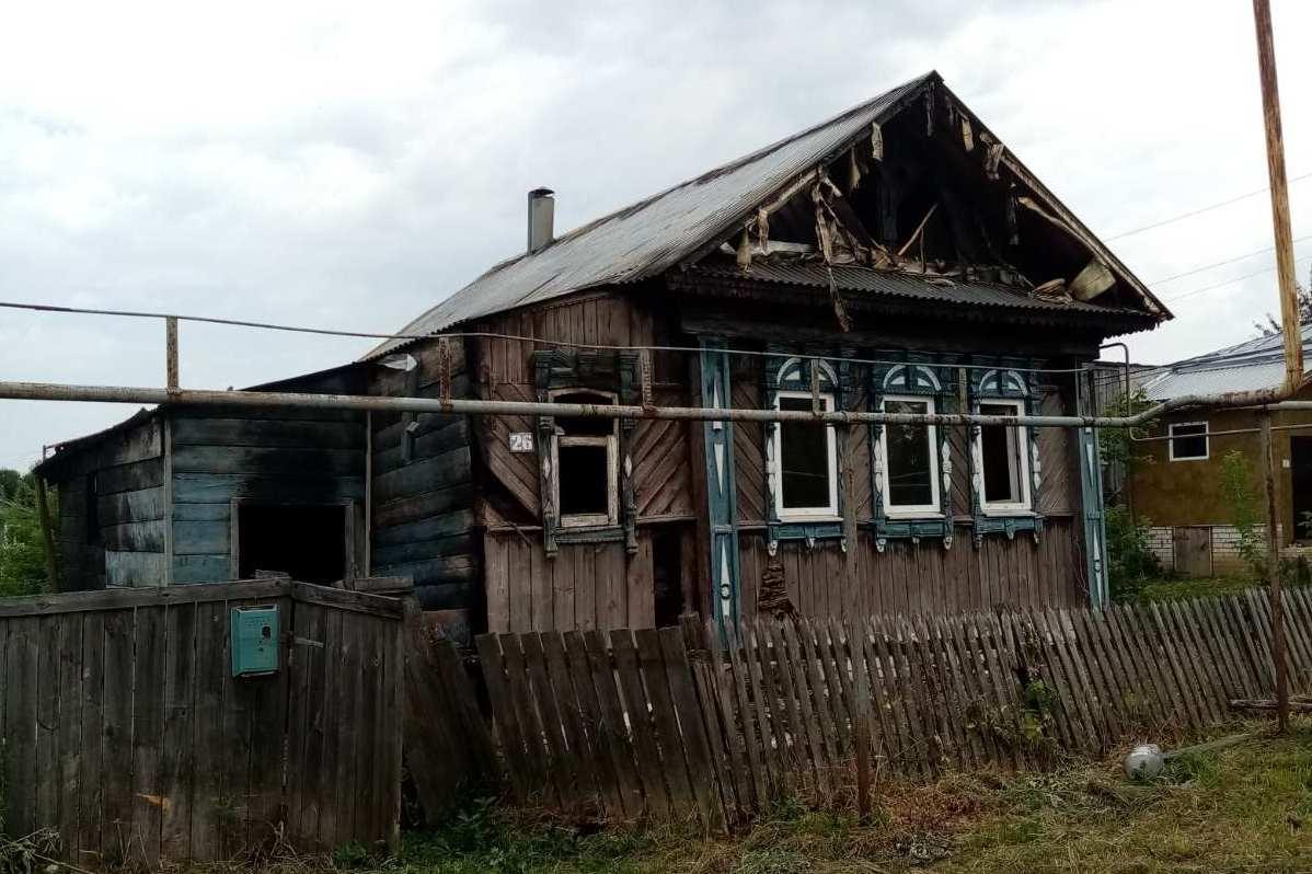 Житель Павлово поджег дом бывшей девушки из ревности