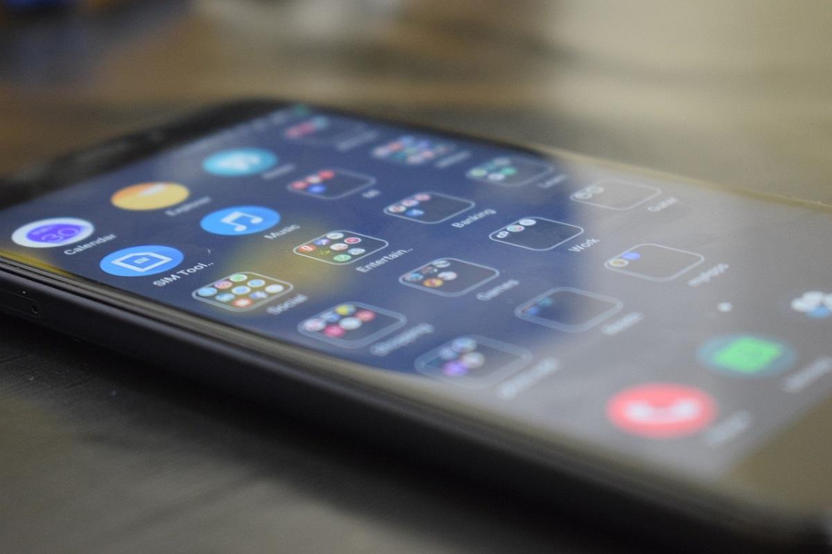 Особенности замены задней крышки для смартфонов Xiaomi