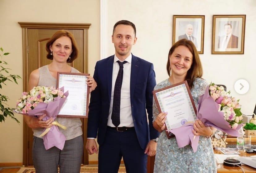 Давид Мелик-Гусейнов наградил нижегородок за помощь в спасении мужчины на озере в Арзамасском районе