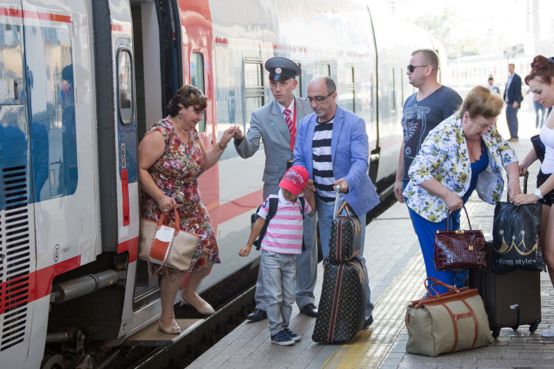 Количество отправленных скоростными поездами пассажиров выросло почти в 2 раза за полгода