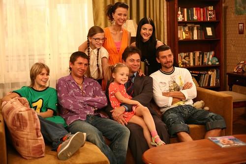 Нижегородская группа Uma2rman показала поклонникам клип с «Папиными дочками»