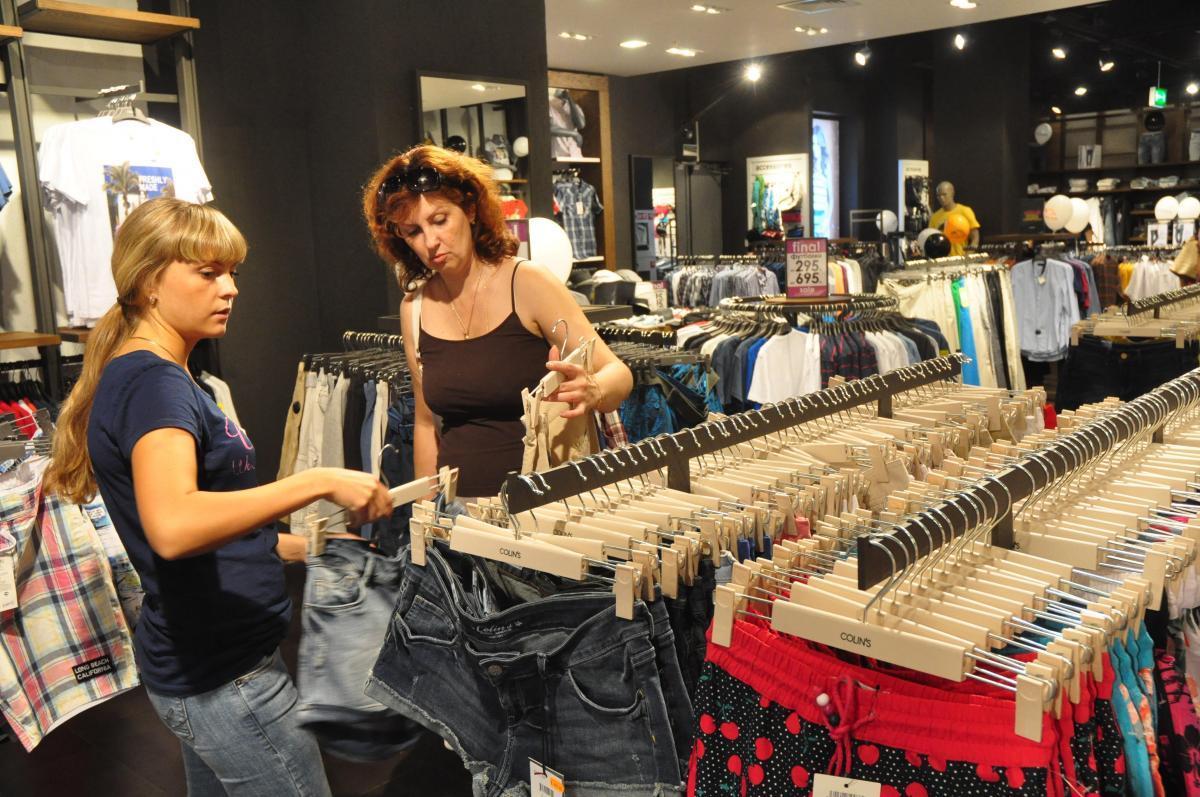 Товарный вид: почему у консультантов в магазинах бывают грустные глаза