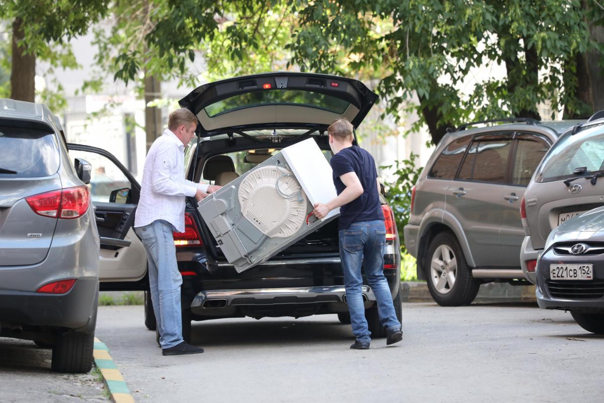 Устроили фейерверк: ремонт уличных сетей завершился скачком напряжения в квартирах