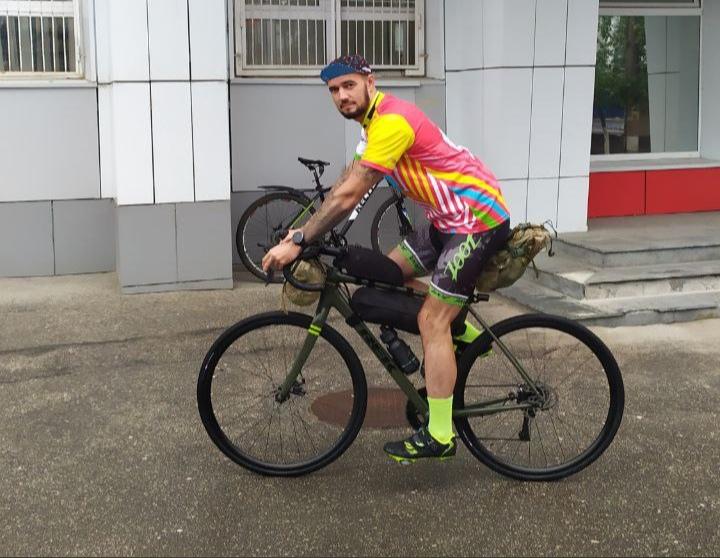 Нижегородец отправился в Питер на велосипеде, чтобы собрать деньги для детей с синдромом Дауна