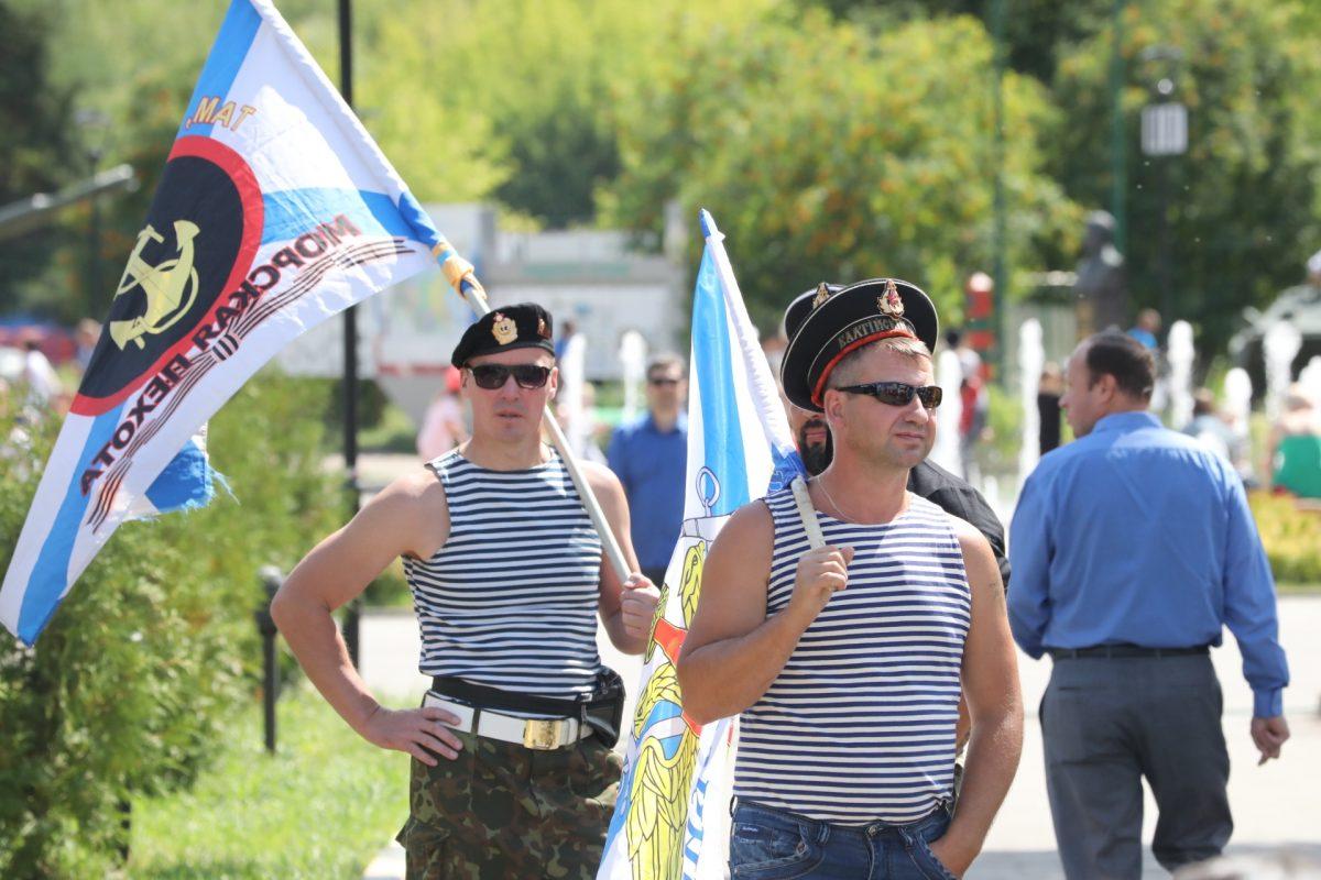 В парке Победы в Нижнем Новгороде отметили День ВМФ