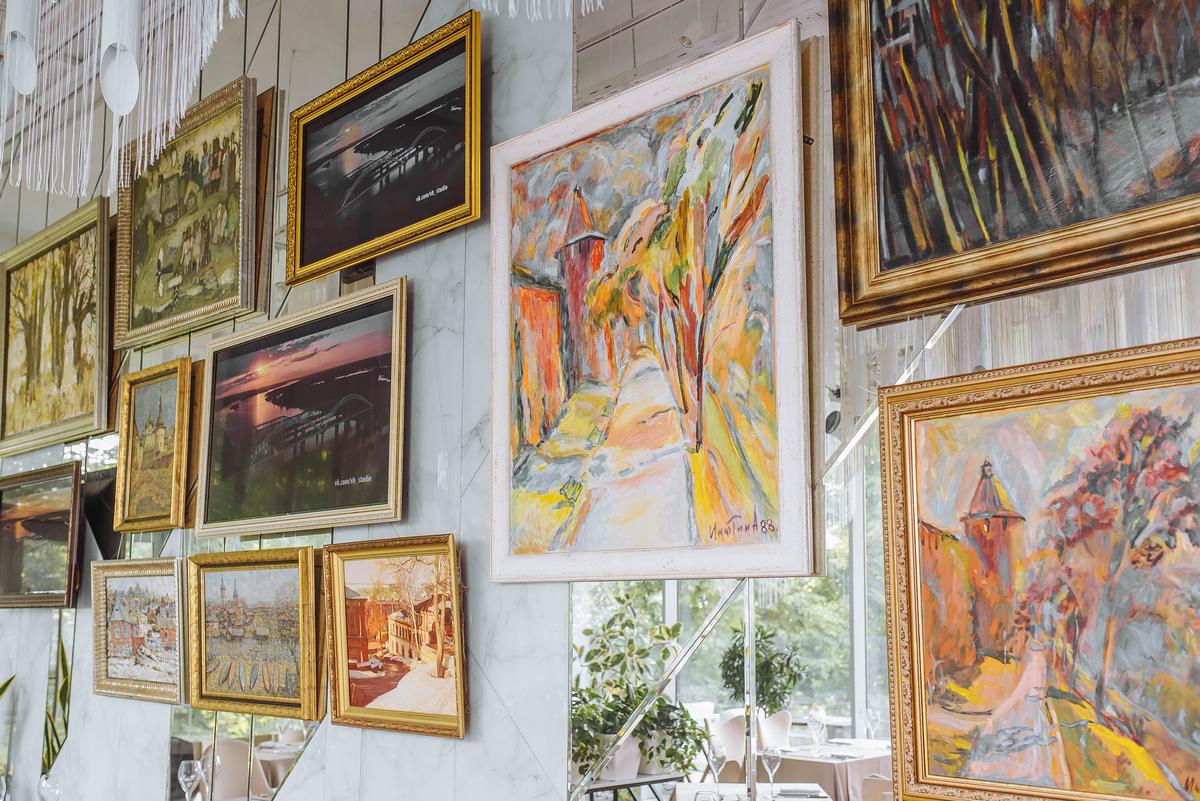 Город глазами жителей: экспозиция картин нижегородских художников открылась в галерее вкуса «Парк культуры»