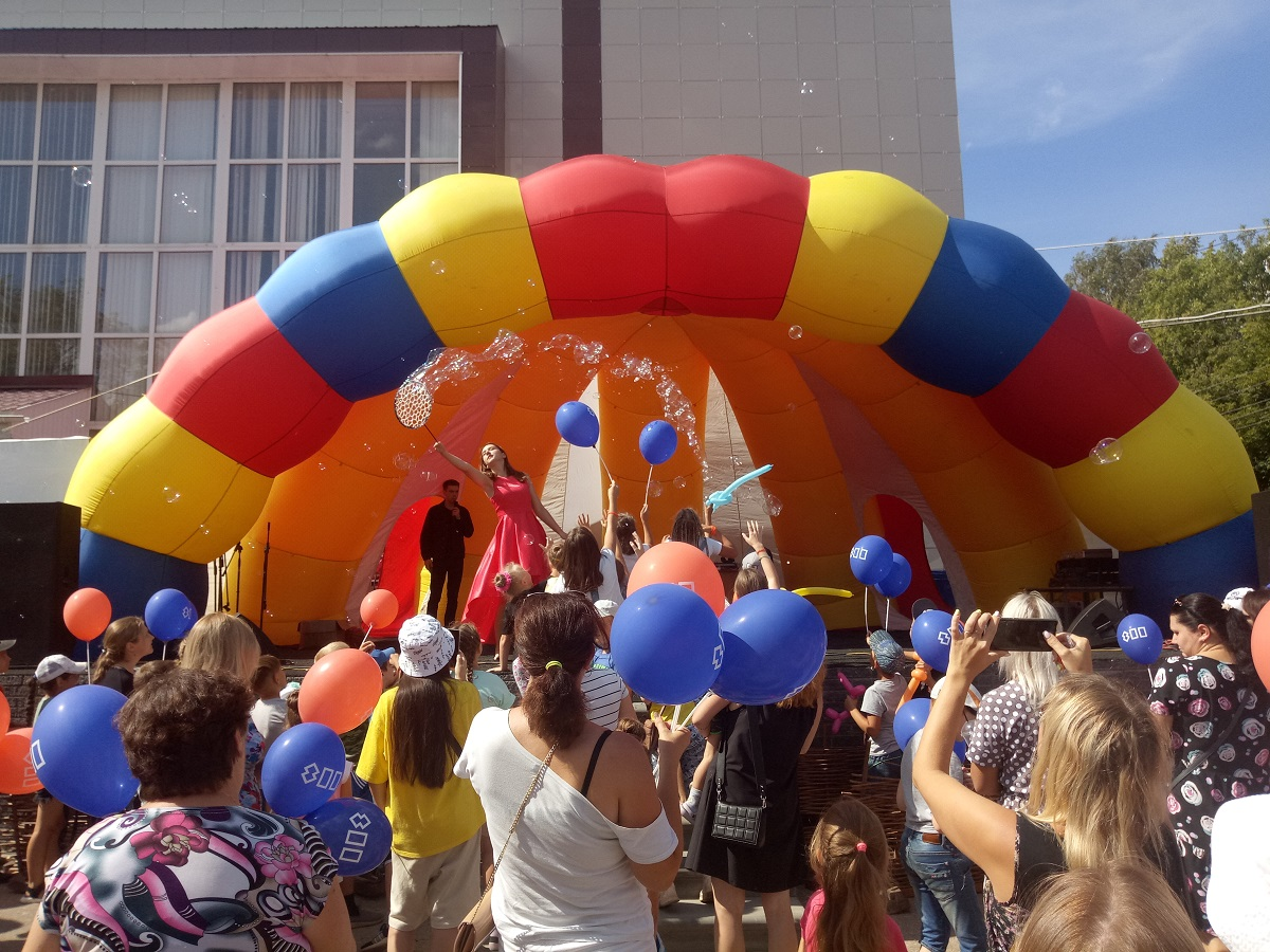 Район праздника: в Красных Баках отметили День посёлка