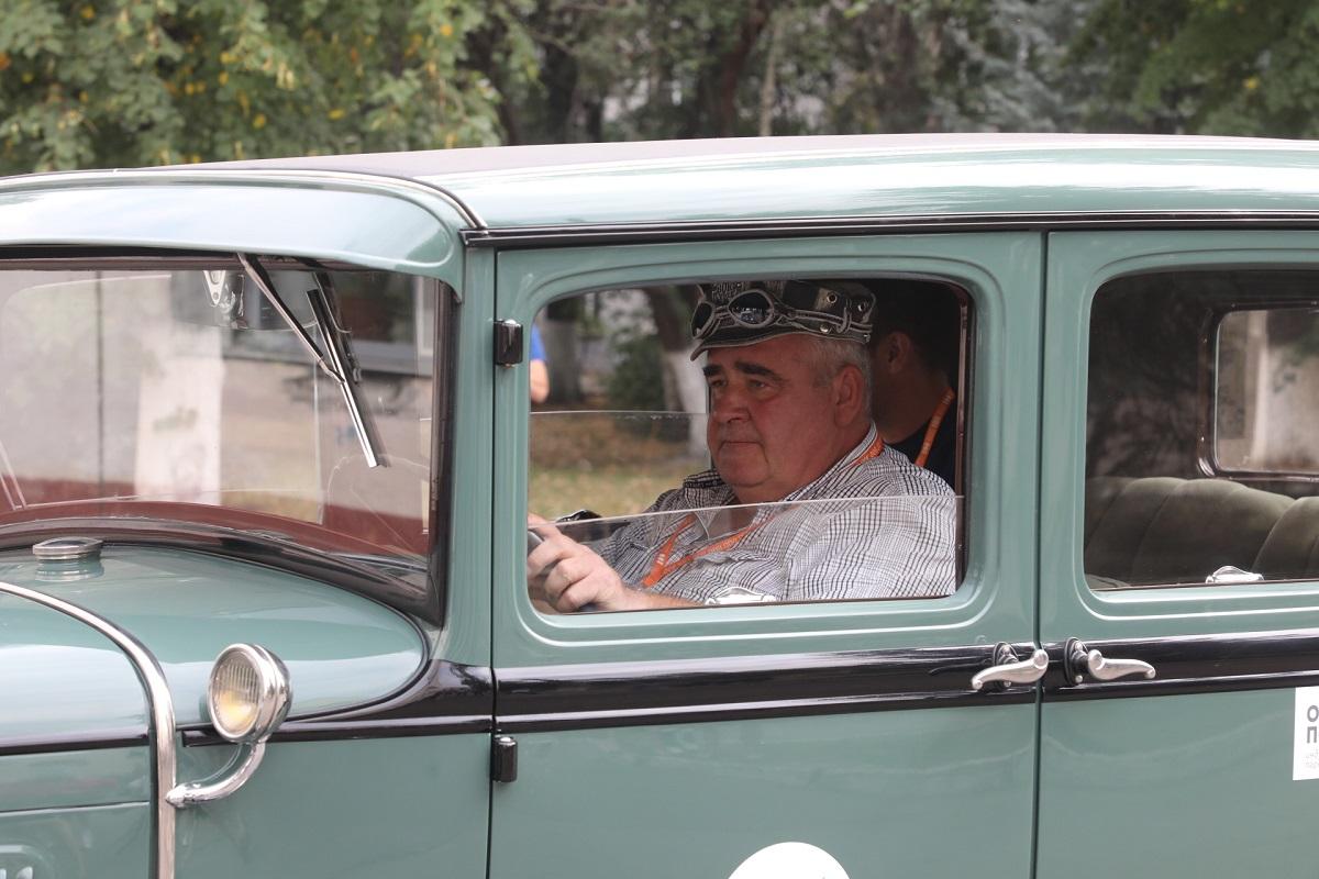 горький классик ретро-машины автомобиль
