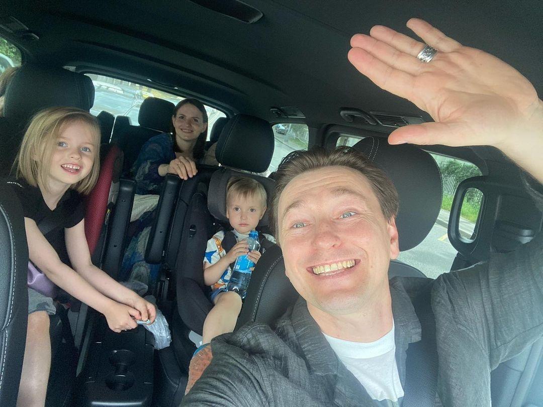 Сергей Безруков хочет усыновить ребёнка