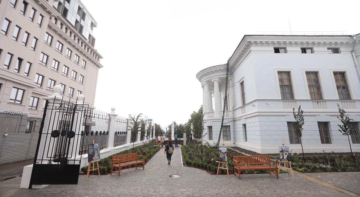 Сергей Кириенко, Игорь Комаров иГлеб Никитин оценили ход реконструкции парка «Швейцария»