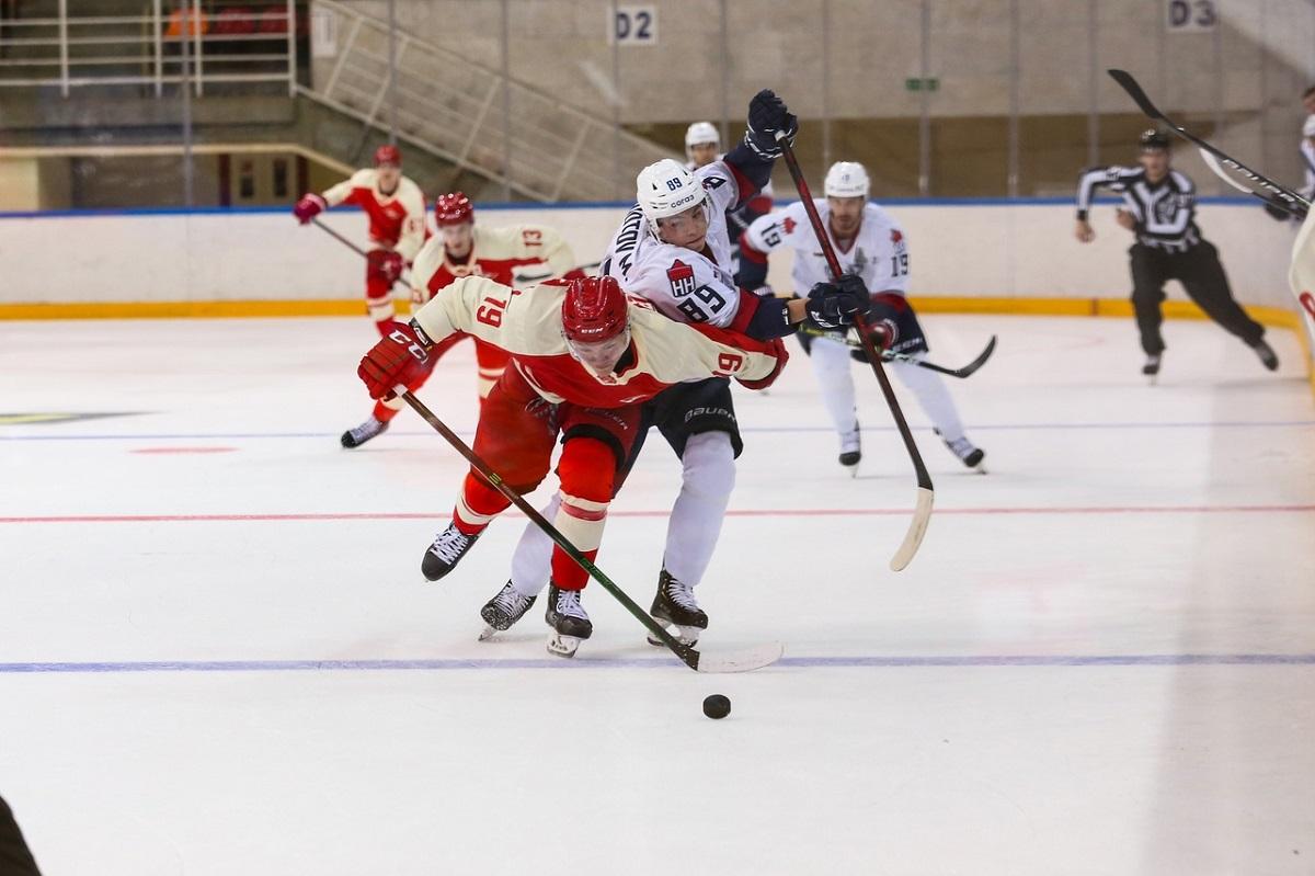 Одни побеждали, другие уступали: нижегородские хоккеисты набирают игровой ритм