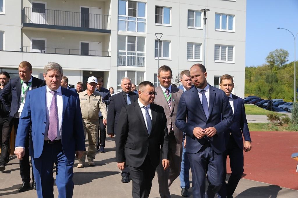 Ирек Файзуллин ознакомился сходом строительства объектов социальной инфраструктуры вНижнем Новгороде
