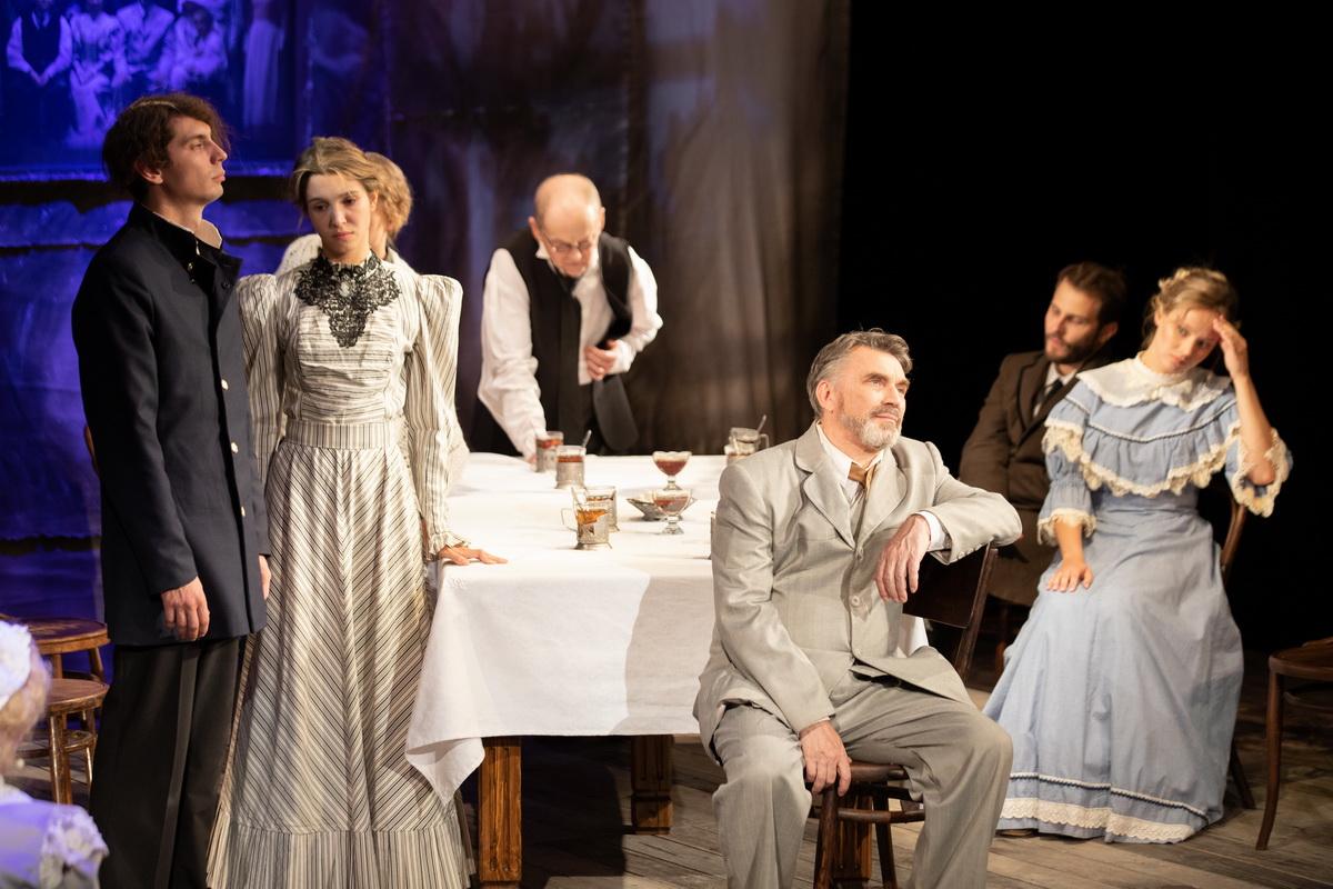 Театр «Вера» открывает  ХХХI сезон новой версией спектакля  «Последние»