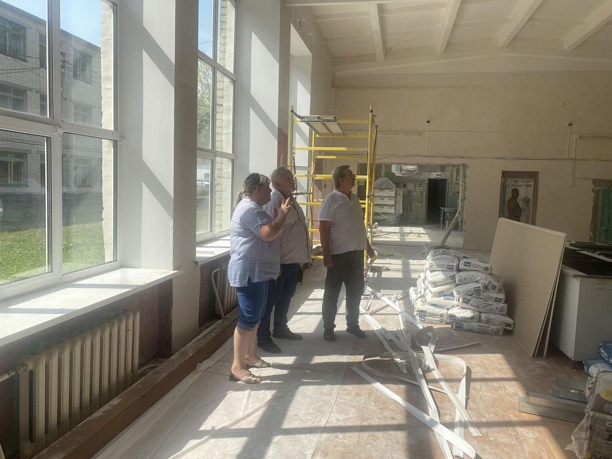 Кровлю сельской школы вБлижнем Борисове отремонтировали кновому учебному году