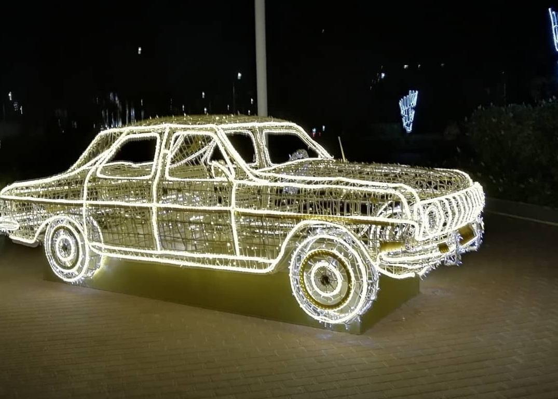 Светящийся автомобиль появился в Автозаводском районе