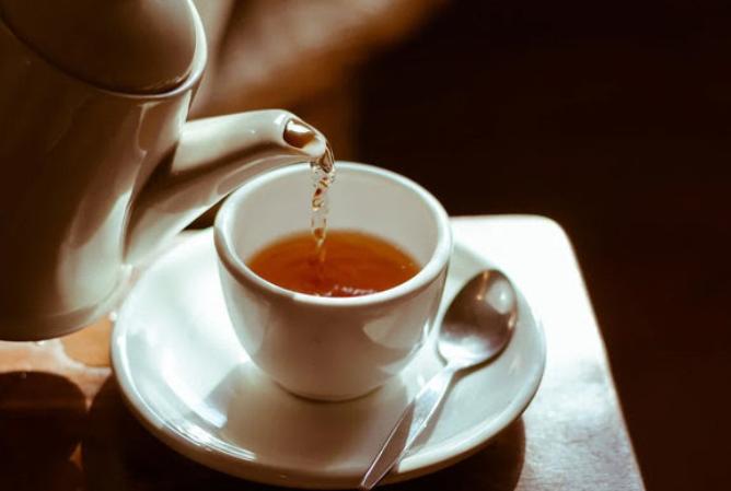 Стало известно, может ли чай заменить потребление воды