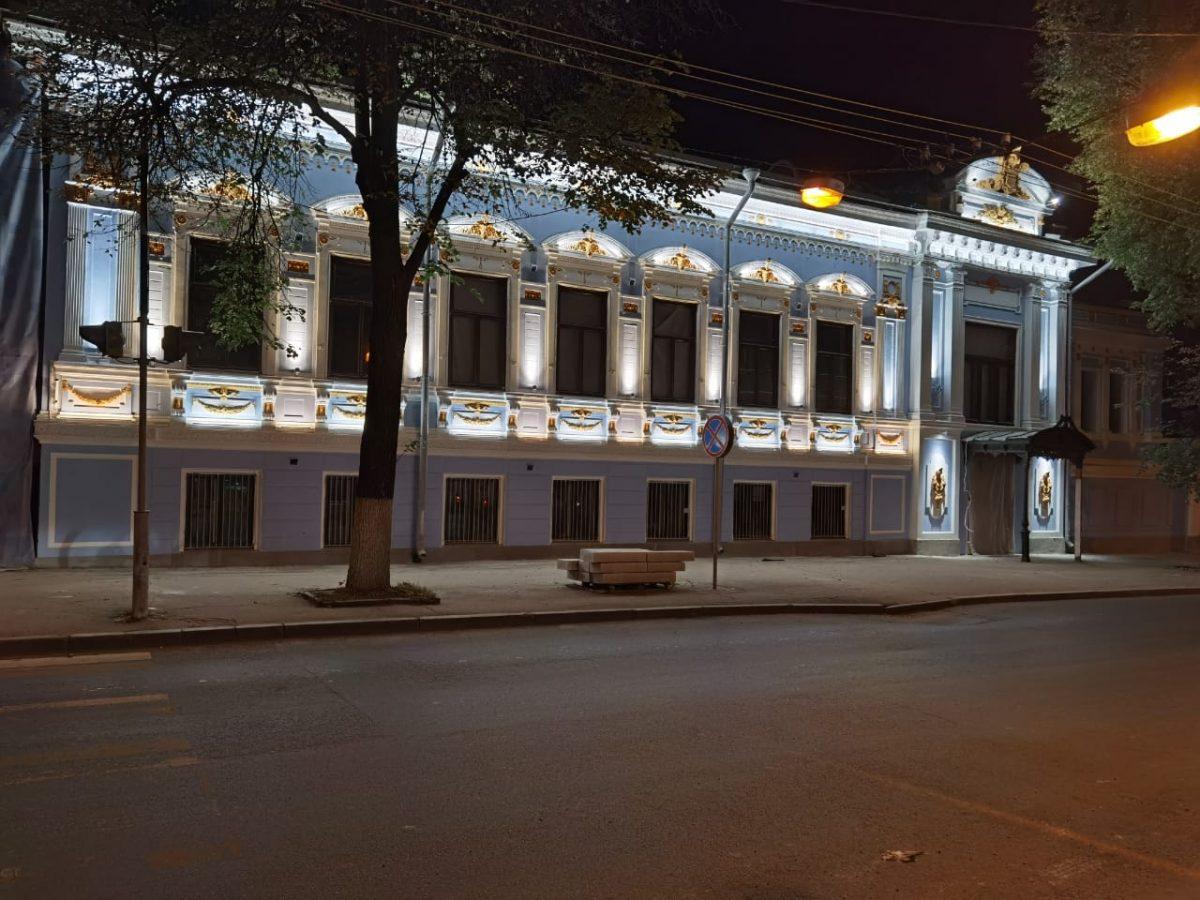Главный фасад Литературного музея подсветили к 800-летию Нижнего Новгорода