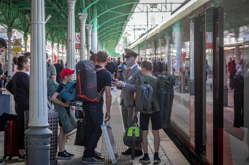 Открыта продажа билетов по субсидированным льготным тарифам на семейные поездки в купе поездов дальнего следования