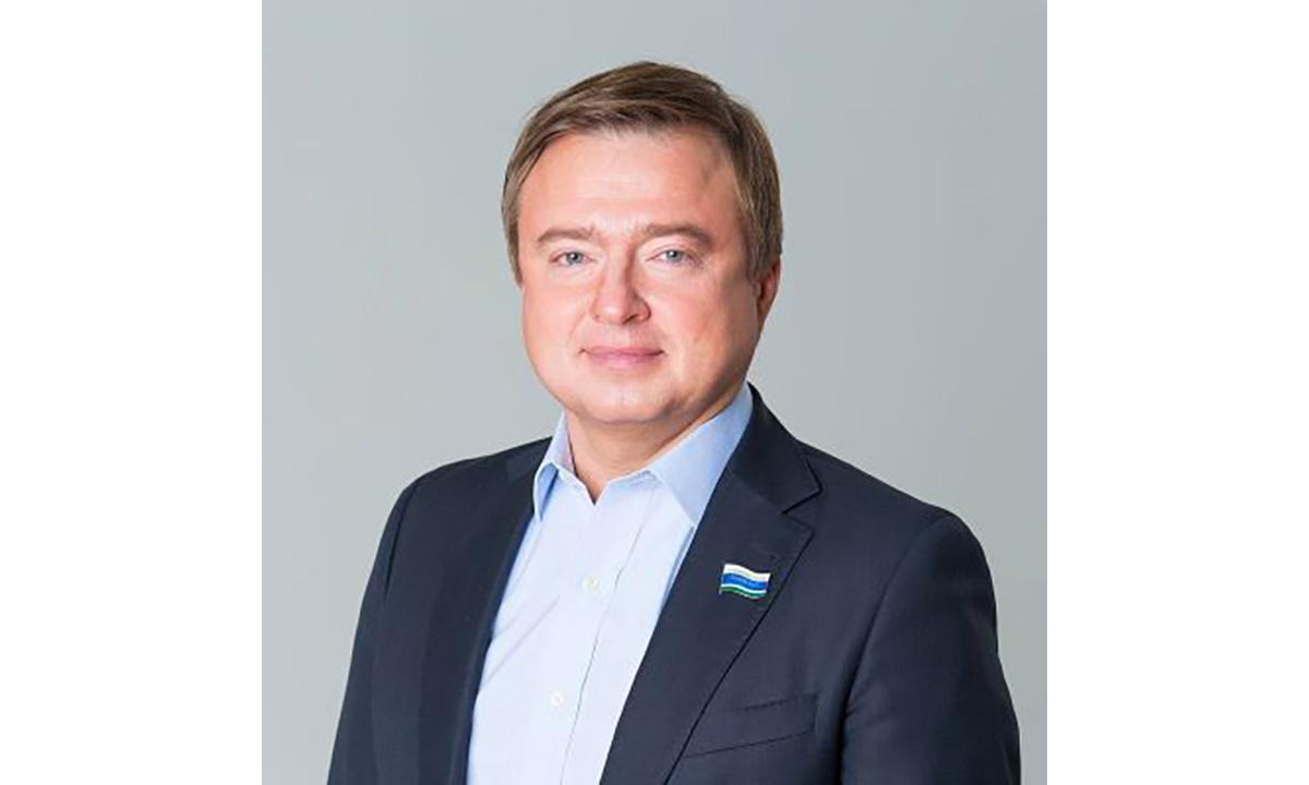Максим Иванов — биография и деятельность