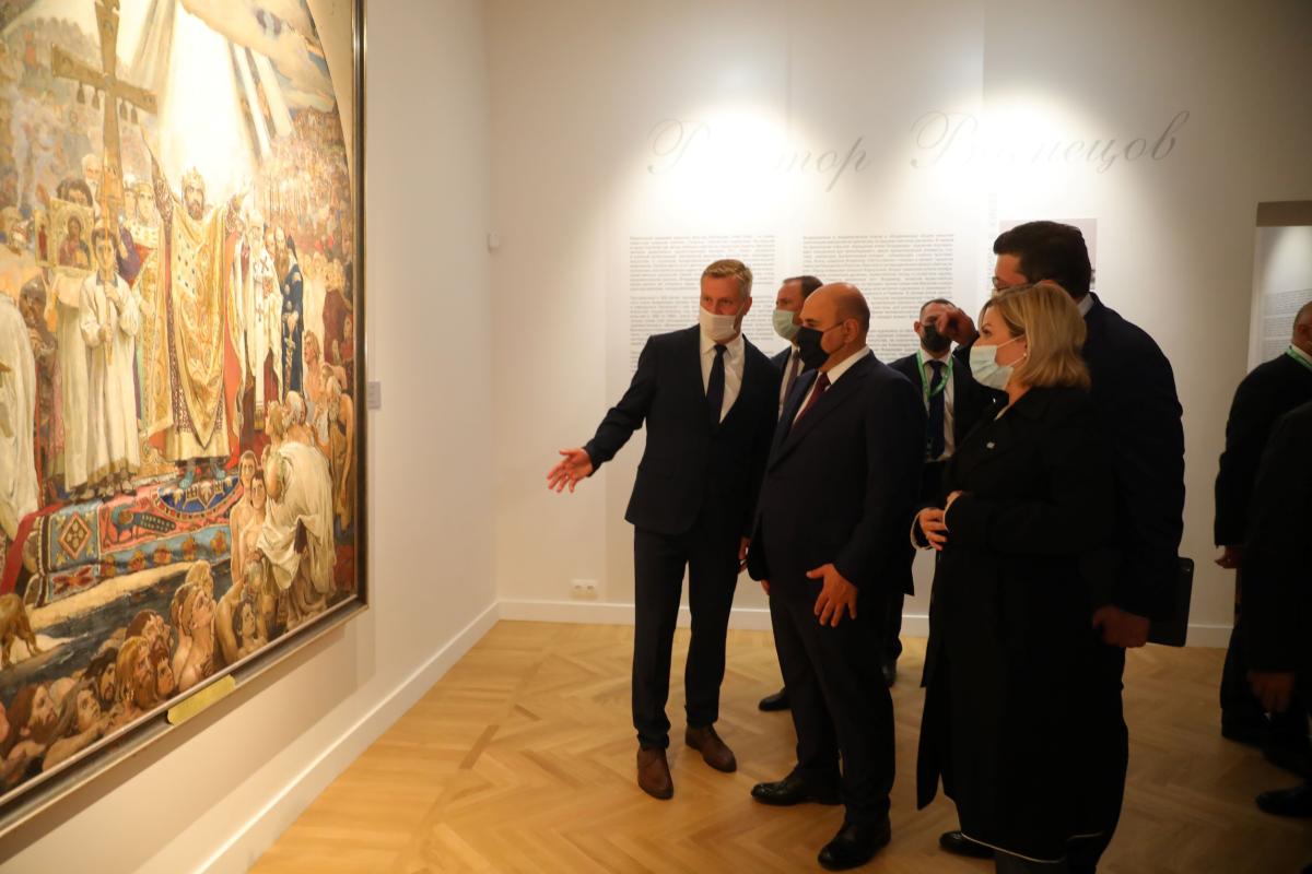 Глеб Никитин представил Михаилу Мишустину обновленное здание художественного музея вНижегородском кремле