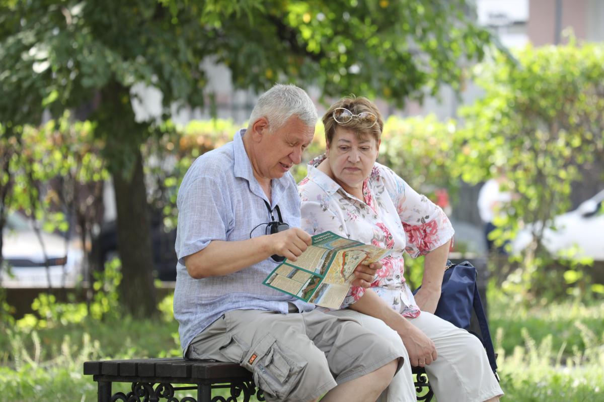 На лекарства и подарки внукам: пенсионеры рассказали, на что потратят новую выплату