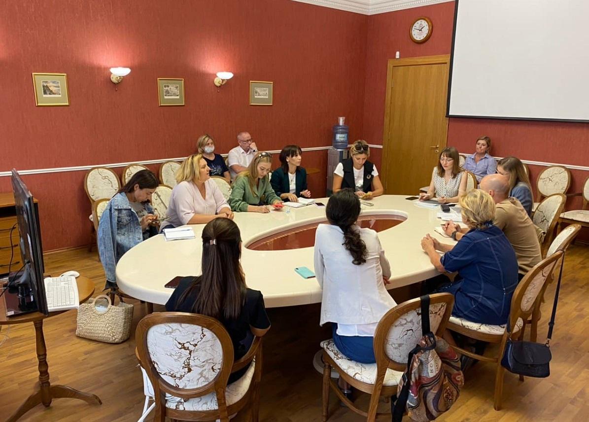 Специалисты регионального Минюста провели встречу с представителями НКО