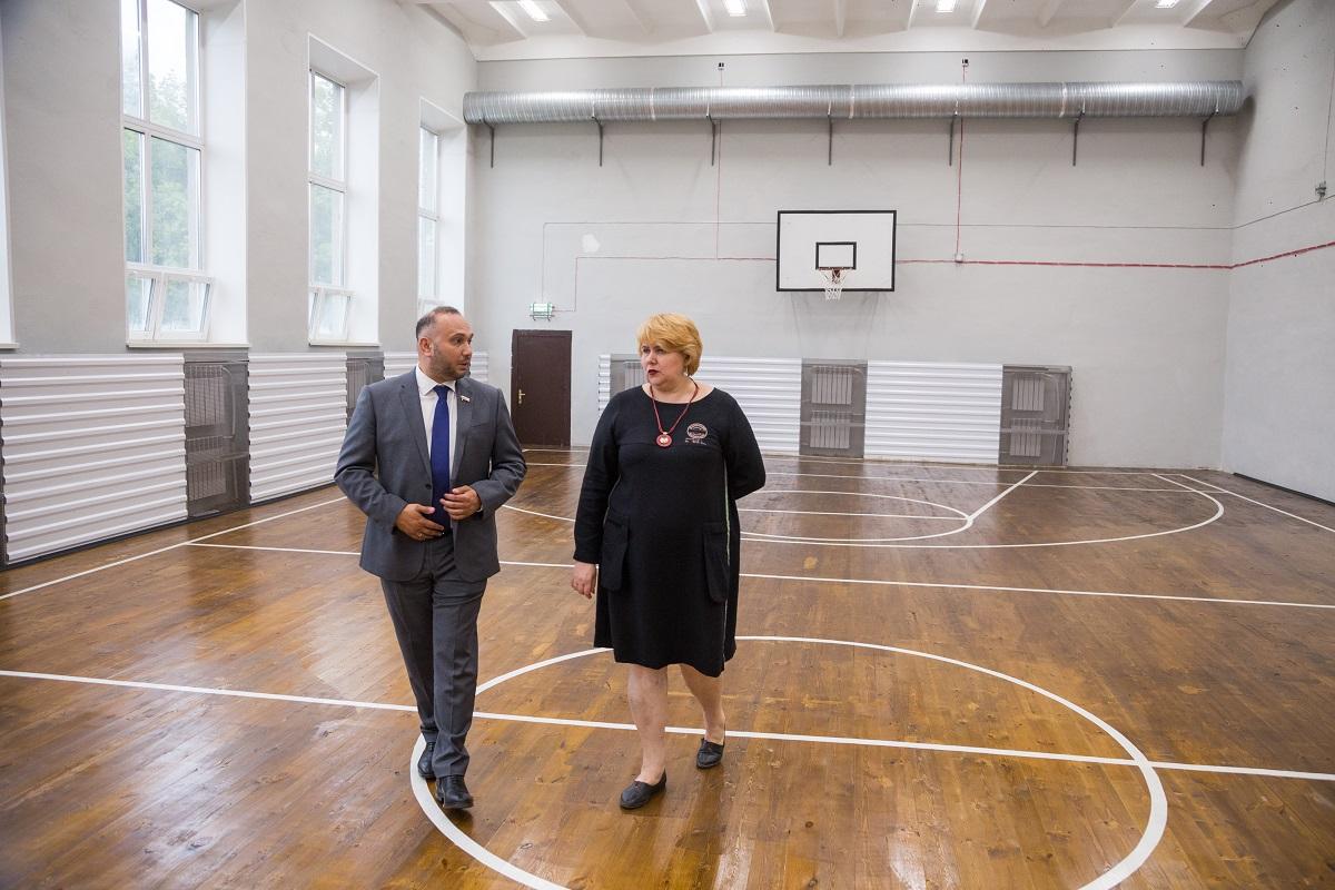 В десяти сельских школах региона капитально ремонтируют спортзалы к новому учебному году