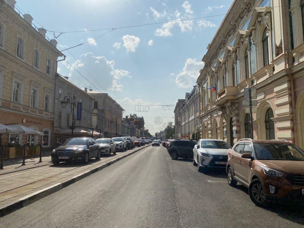 На улице Рождественской отремонтировали брусчатку и обновили ограждения