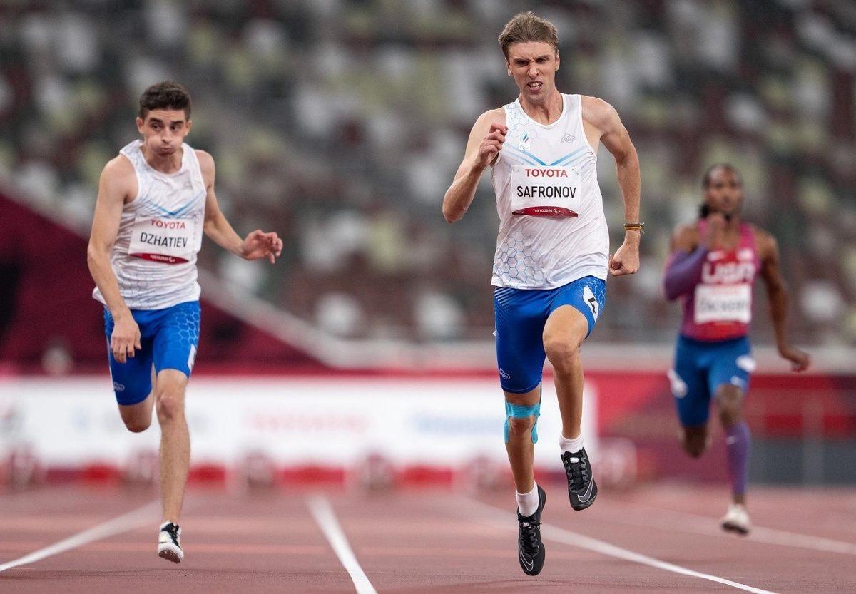 «Долгожданная и тяжёлая медаль»: за паралимпийца Дмитрия Сафронова болела вся семья