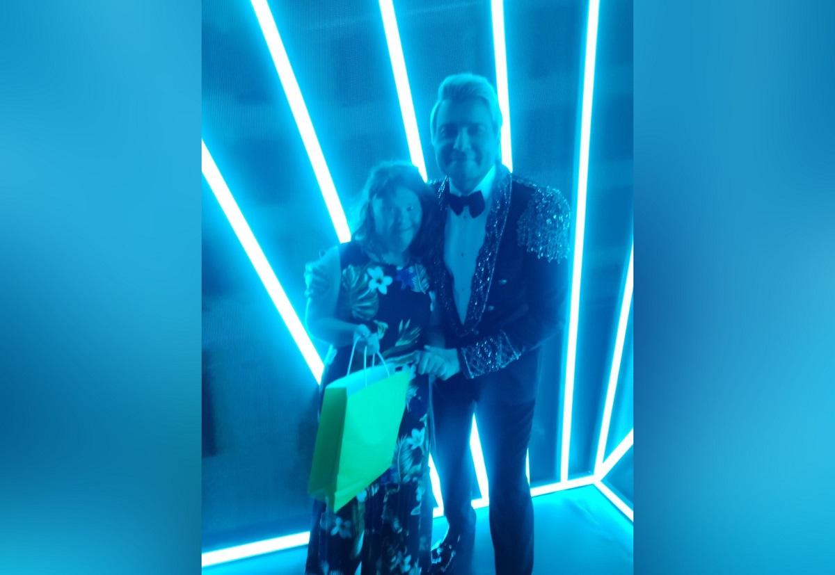 Танюшкина мечта: Эвелина Блёданс помогла нижегородке с особенностями развития встретиться с Николаем Басковым