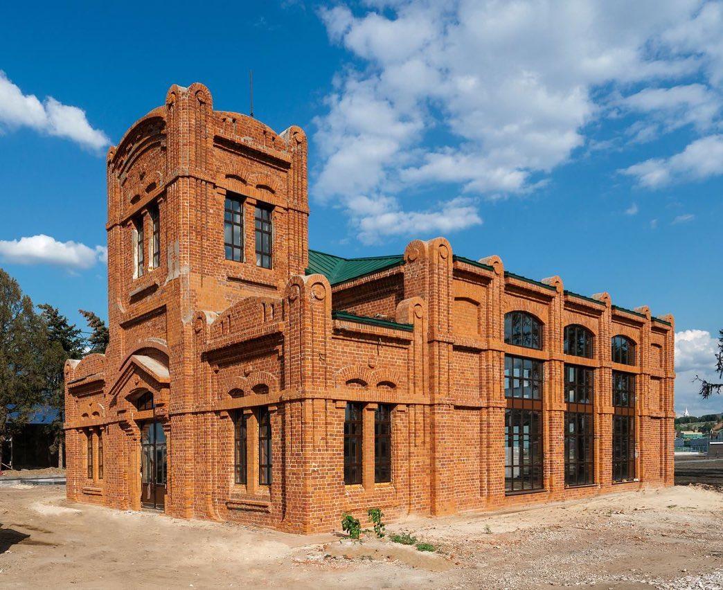 Зданию фильтровальной станции наСтрелке вернули исторический облик