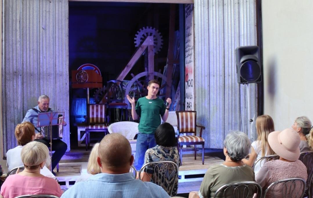 Комедия дышит «Кислородом»: нижегородский театр осваивает новое арт-пространство