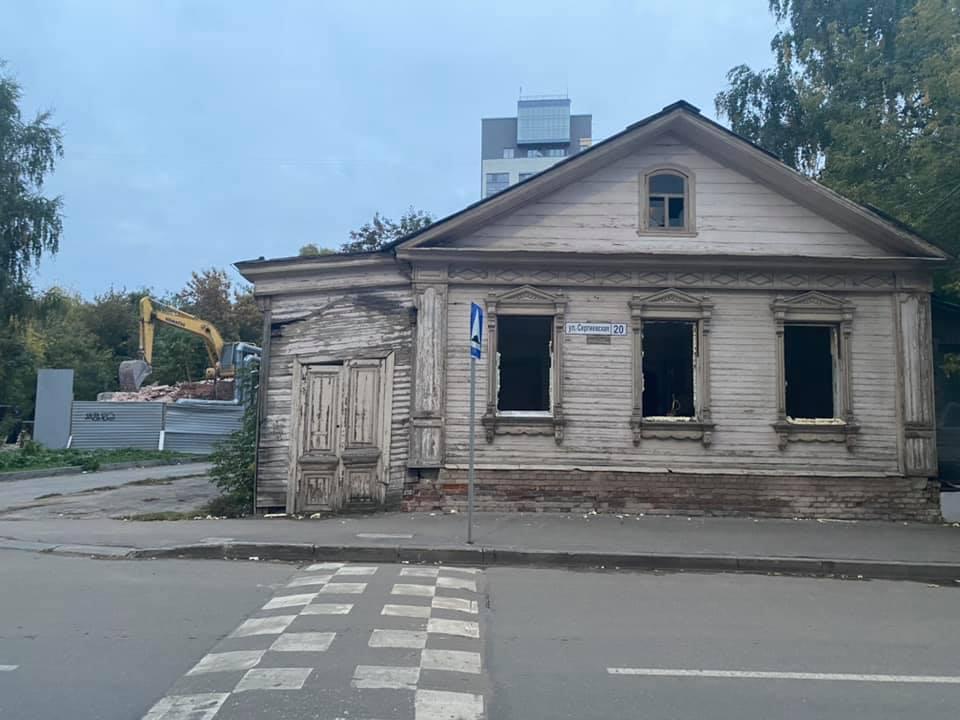 Наличники со старинного дома на улице Сергиевской будут сохранены