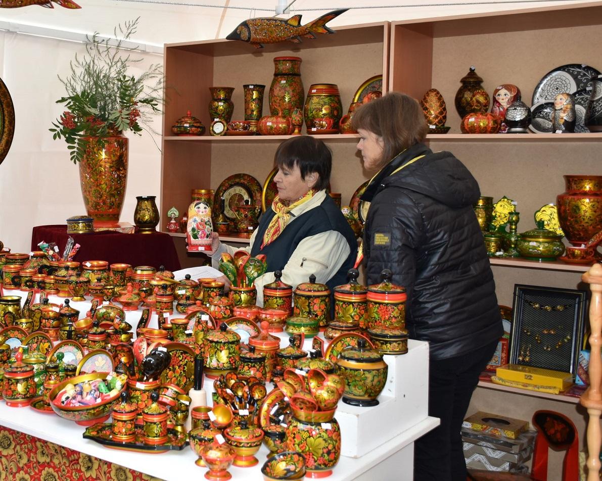Фестиваль «Золотая хохлома» прошел вДень города вСеменовском округе