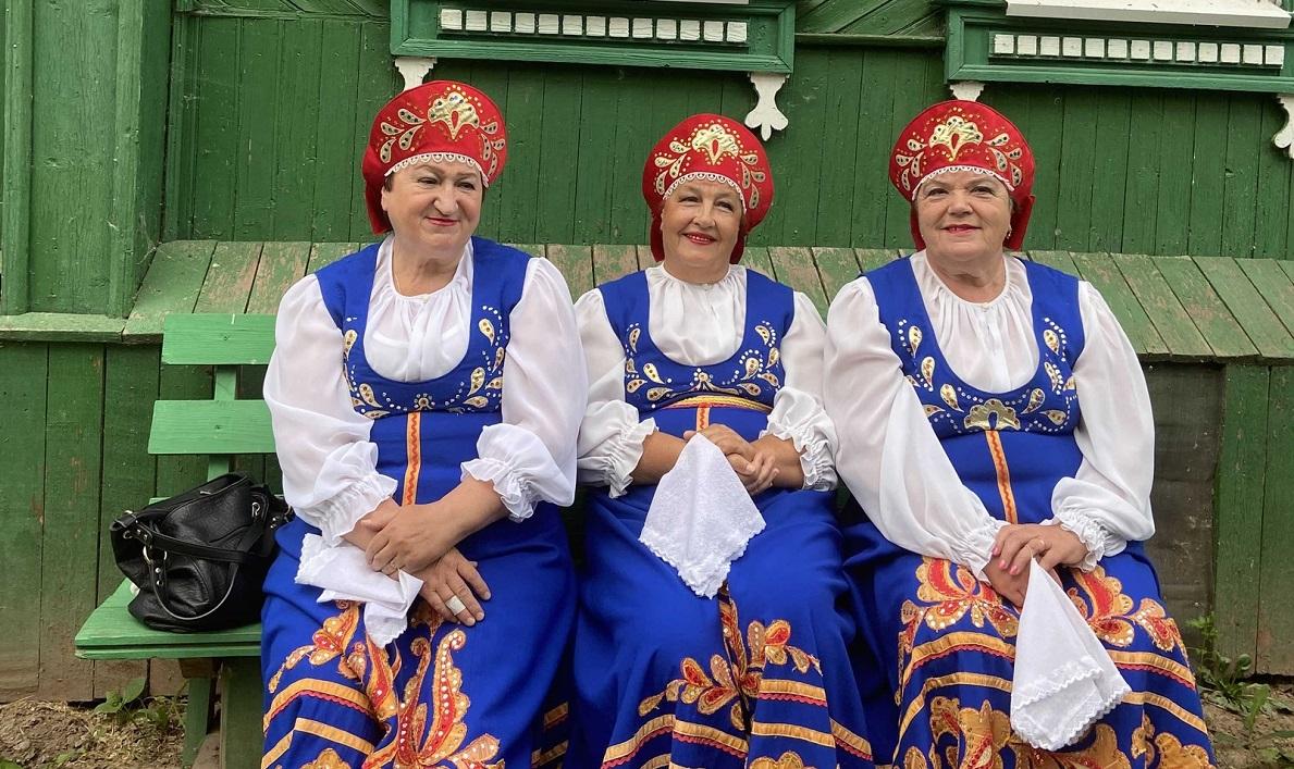 Петь полезно для здоровья: прокошевские вокалисты 40 лет верны своему увлечению