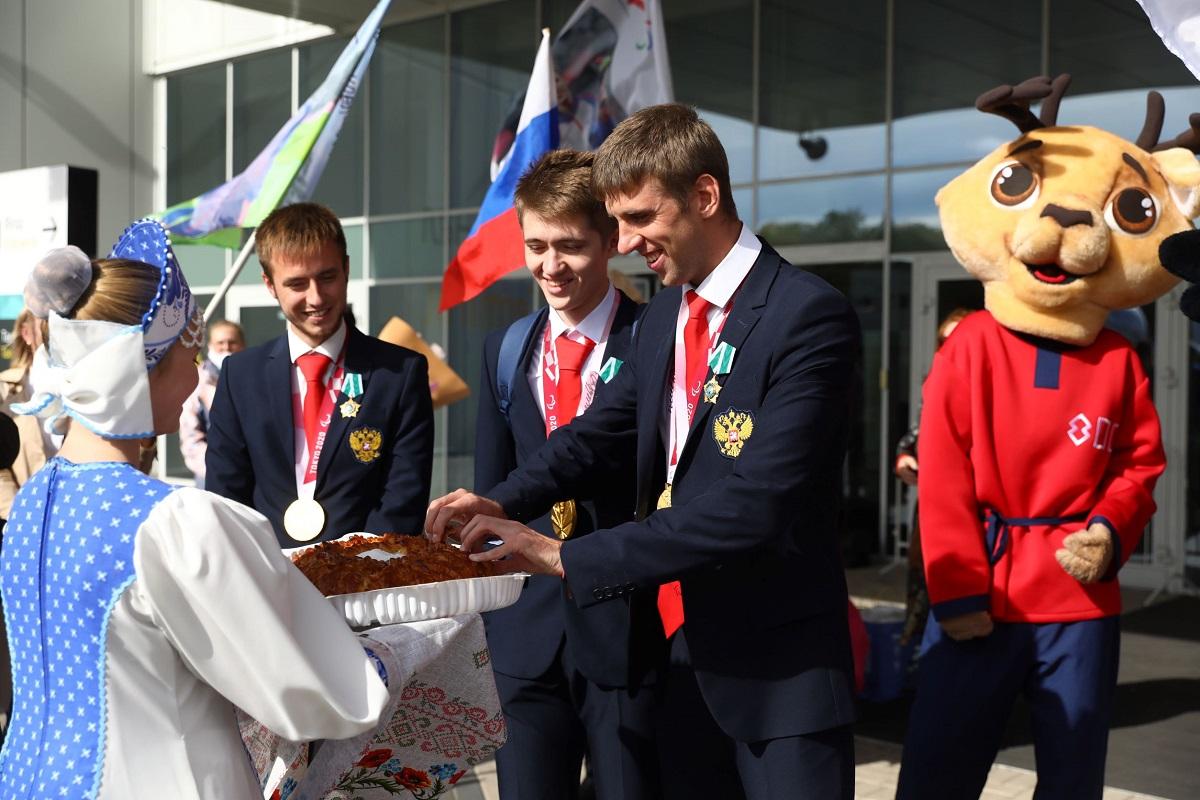 Нижегородские спортсмены вернулись домой после Паралимпийских игр вТокио