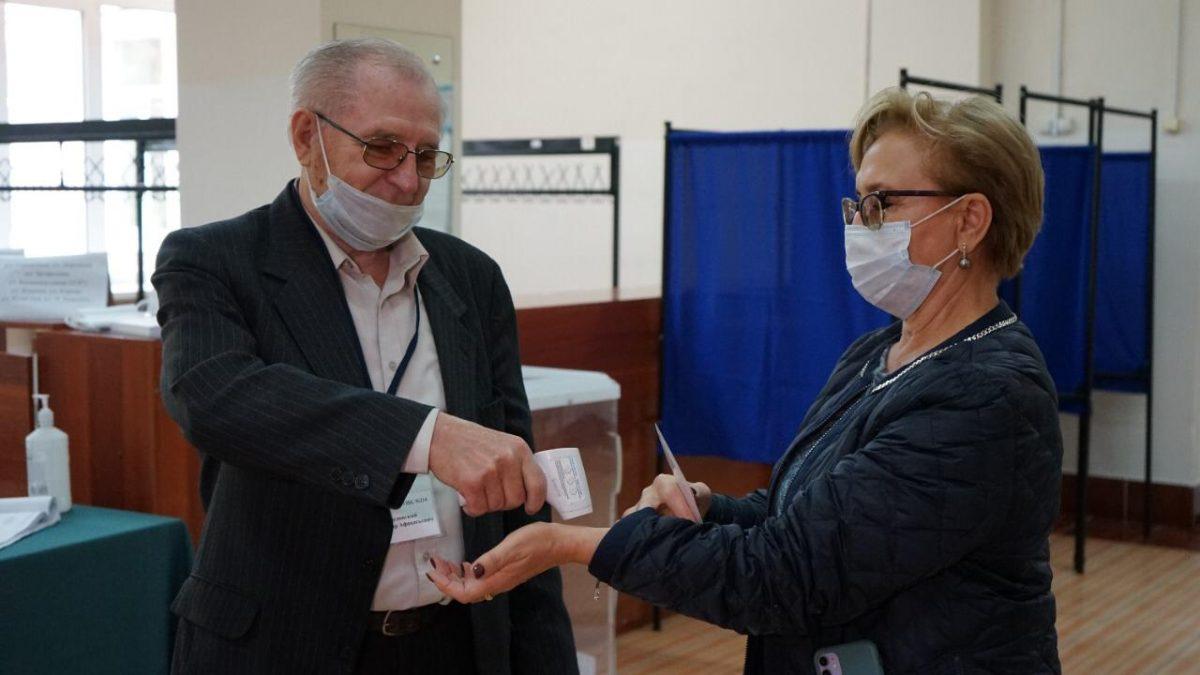 Депутаты всех уровней следят за ходом голосования в Нижегородской области