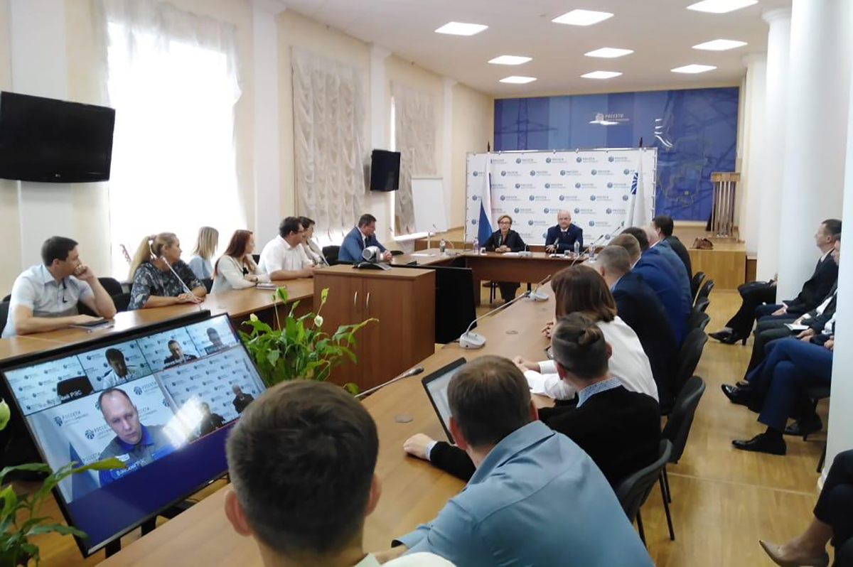 Депутат Госдумы Наталья Назарова встретилась с представителями энергетических и газоснабжающих компаний