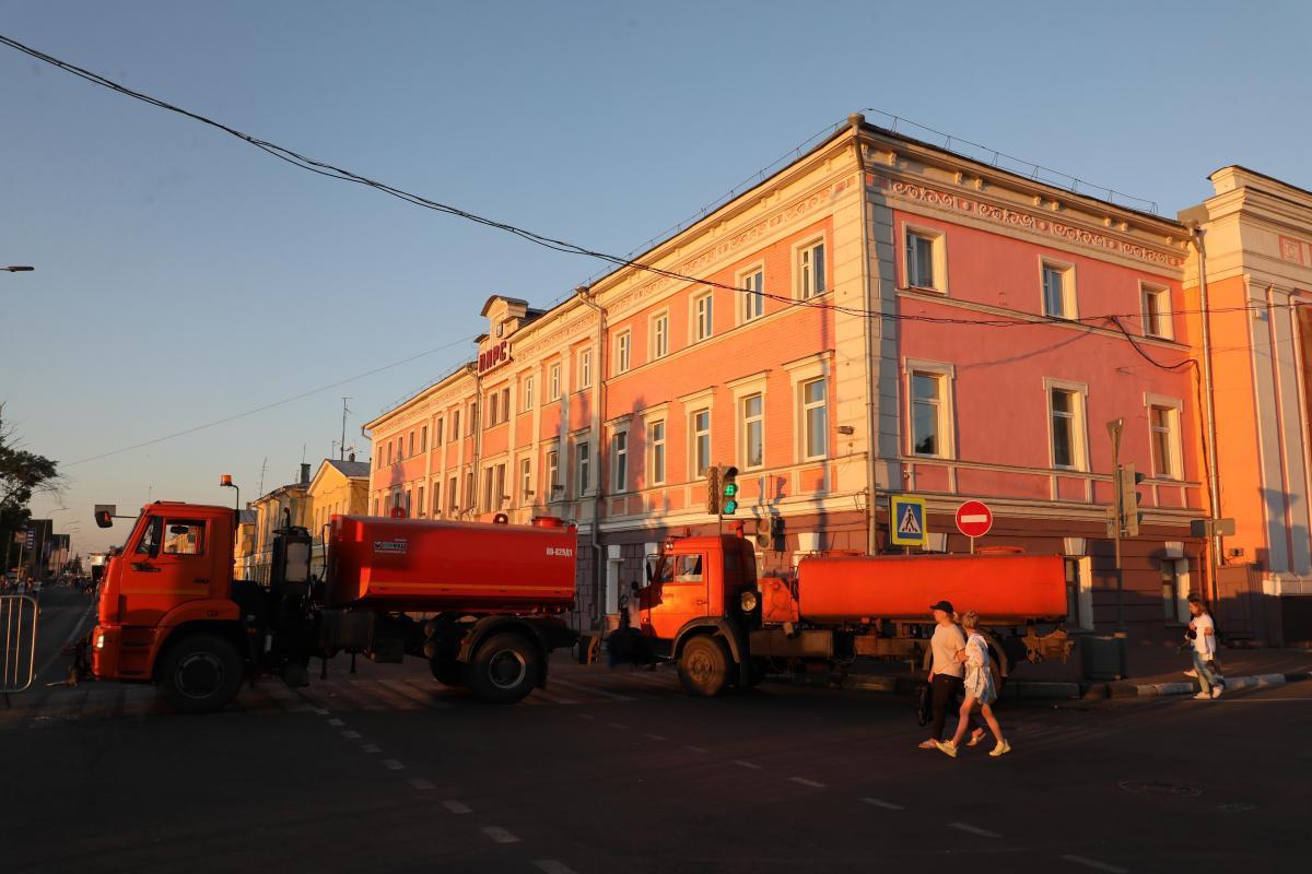 Движение транспорта по Нижневолжской набережной временно приостановят 4 сентября